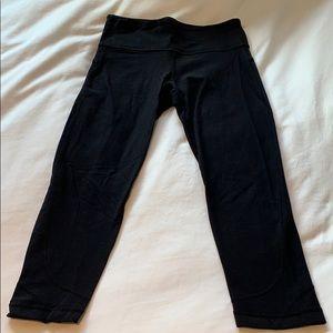 LULULEMON women's crop black leggings